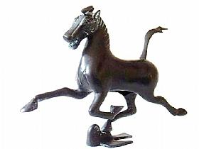 Sculpture en bronze, Le Cheval sur l'hirondelle - SCULPTURES / Bronzes